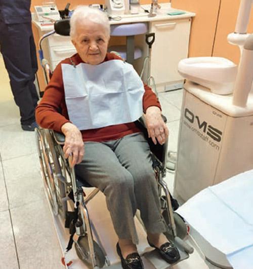 Al riunito in sedia a rotelle una nuova pedana per cure for Fisico sedia a rotelle