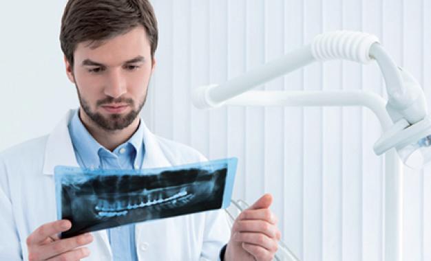 La perimplantite esiste davvero? <br>«Non c&#8217;è malattia senza diagnosi»